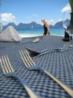 chillen on filipino beaches with gourmet private lunches - smashing